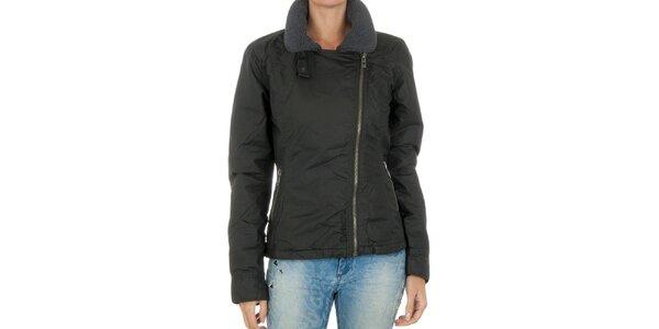 Dámska čierna bunda so zipsom Bench