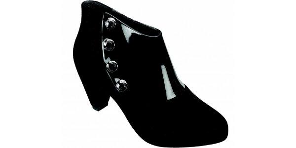 Dámske čierne kotníčkové topánky Melissa s kovovými cvokmi