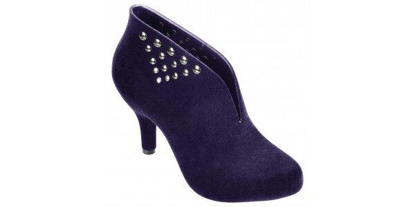 Dámske tmavo fialové topánky Melissa s kovovými cvokmi a semišovou úpravou