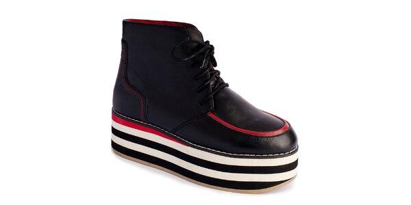 Dámske čierne topánky na pruhovanej platforme Lola Ramona
