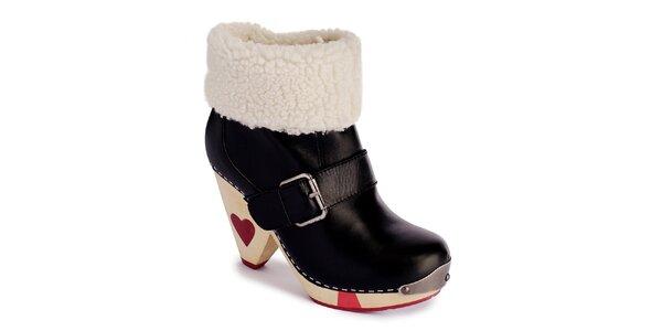 Dámske čierne zateplené topánky so srdiečkami a prackou Lola Ramona