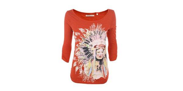 Dámske červené tričko s indiánkou Emoi