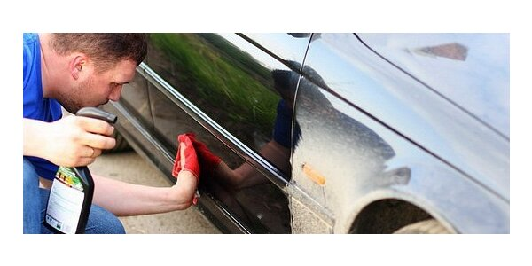 Umyte si auto pred panelákom, na parkovisku bez použitia vody !