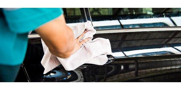 Bezvodné umytie a voskovanie vozidla