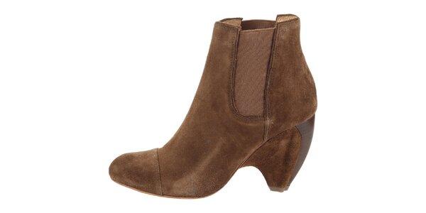 Dámske hnedé semišové topánky na opätku Modern Vintage