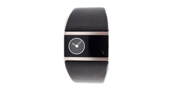 Dámske čierno-strieborné hodinky Danish Design s čiernym koženým remienkom