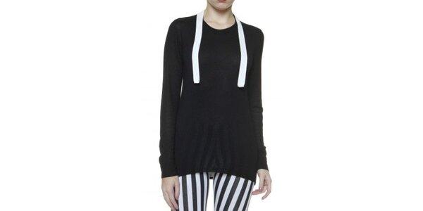 Dámsky čierny sveter s bielym lemom Pierre Balmain