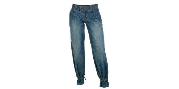 Dámske modré džínsy tureckého strihu Bench