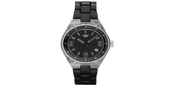 Pánske čierne hodinky Adidas s plastovým poťahom púzdra a remienkom