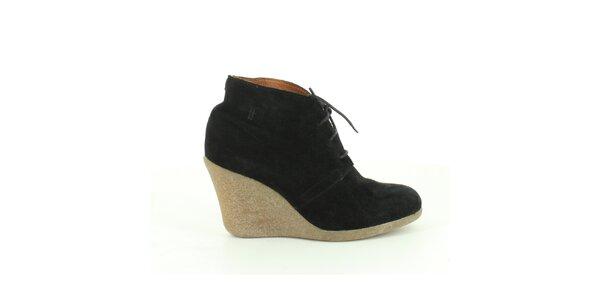 Dámske čierne semišové členkové topánky Foreva