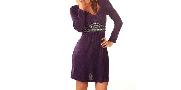 Dámske fialové šaty Ada Gatti s korálkami v páse a mašľou
