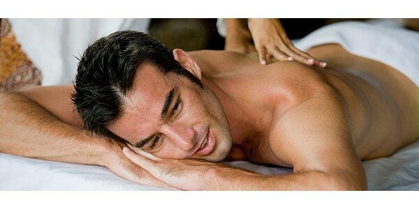 Uvoľňujúca masáž šije s bankovaním