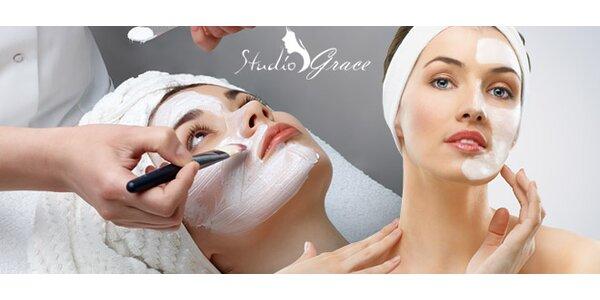 OMLADENIE PLETI kozmetickou masážou tváre a dekoltu