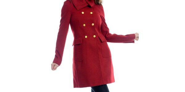 Dámsky červený kabát so žltými gombíkmi Estella