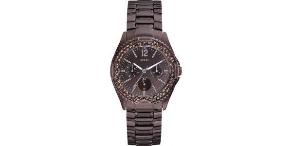 Dámske hranaté hnedé hodinky s kamienkami Guess