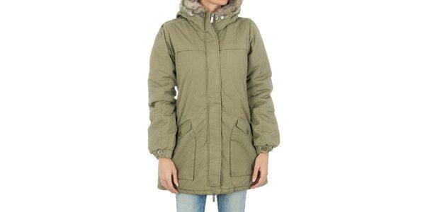 Dámsky svetlý khaki kabát s kožúškom Bench
