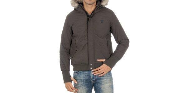 Pánska tmavo šedá bunda s kožúškom Bench