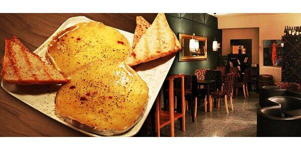 Grilovaný syr Camembert alebo Brie
