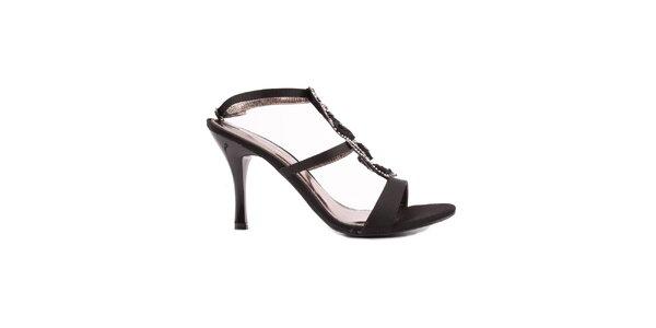 Dámske čierne sandálky s ružičkami Spot On