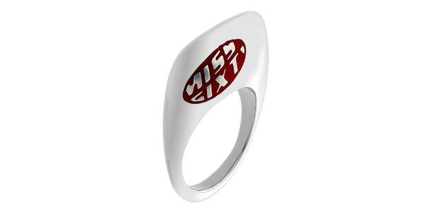 Dámsky oceľový prstienok s bordó nápisom Miss Sixty