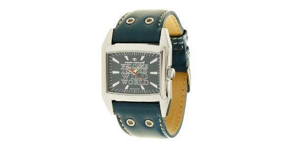 Kráľovsky modré analogové hodinky s nápisom Tom Tailor