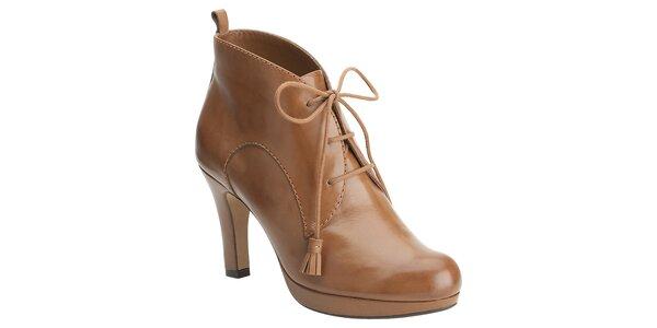 Dámske ťavie členkové topánky Clarks