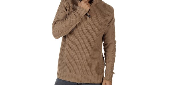 Pánsky svetlo hnedý sveter so stojáčikom CLK