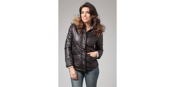 Dámska čierna zimná prešívaná bunda More Down Eight s kožúškom