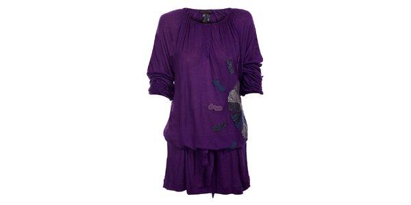 Dámske tmavo fialové šaty Custo Barcelona s aplikaciou