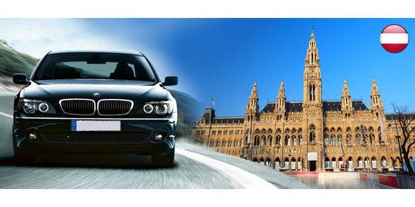 """""""Luxusná"""" Viedeň! Vyberte sa na celodenný výlet luxusnou limuzínou so šoférom"""