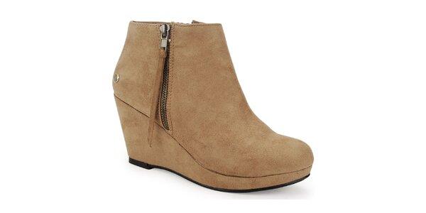 Dámske svetlo béžové topánky na klinovom opätku Blink
