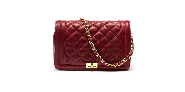 Dámska červená kabelka s retiazkovým popruhom Carla Ferreri