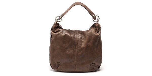 Dámska hnedá priestranná kožená kabelka Carla Ferreri