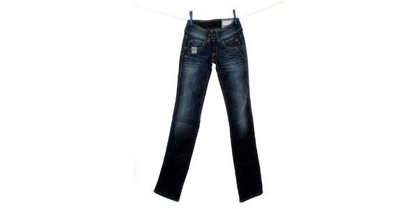 7f5a416429 Výpredaj obľúbených denimových značiek Tommy Hilfiger a Pepe Jeans ...