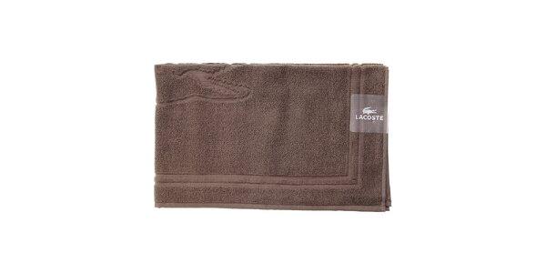 Tmavo hnedá kúpeľňová predložka Lacoste