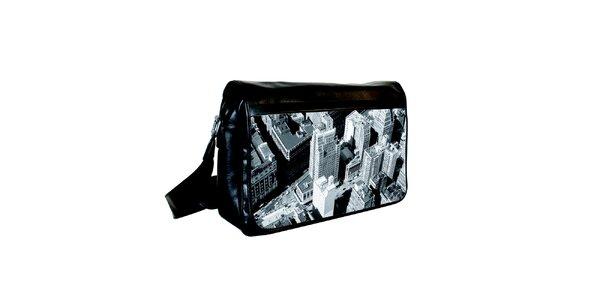 Čierna messenger taška s potlačou budóv z vtáčej perspektívy Kothai