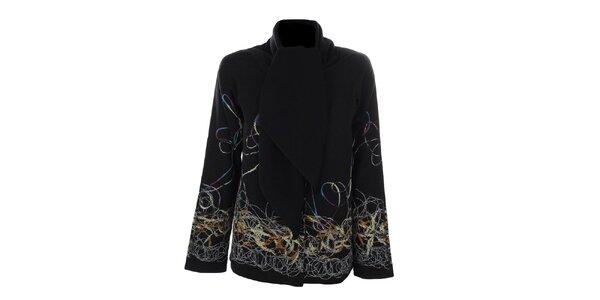 Dámsky krátky čierny kabátik s farebným vzorom Gémo