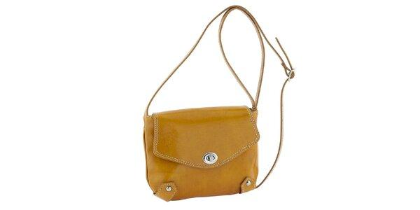 Dámska žltá kožená taška s otočným zámčekom Classe Regina