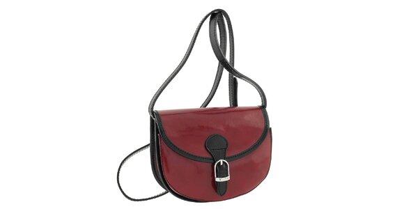 Dámska tmavo červená kabelka s čiernymi prvkami a prackou Classe Regina