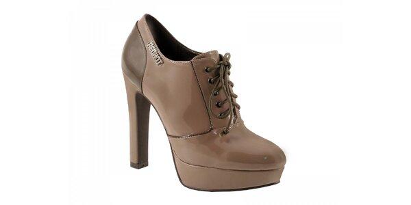 Svetlo hnedé topánky na podpätku so zaväzovaním