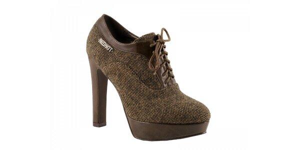 Hnedé topánky na podpätku so zaväzovaním