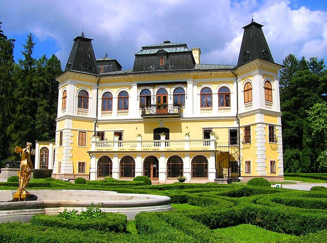 Kaštieľ Betliar s nádherným historickým parkom