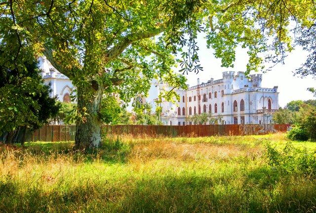 Kaštieľ v Rusovskom parku