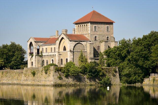 Gotický hrad Tata