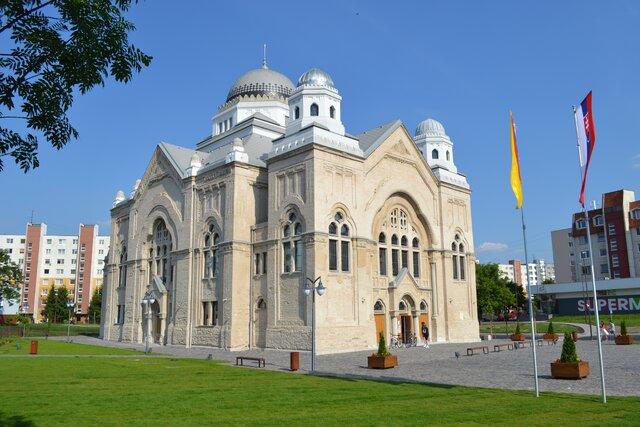 Synagóga v Lučenci