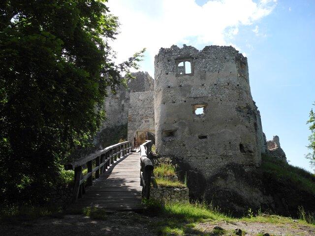 Uhrovecký hrad