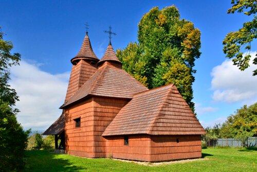 Drevený chrám svätého Lukáša, Tročany