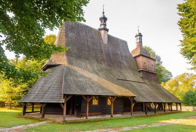 Drevený kostol svätého Filipa a Jakuba v Sekowej