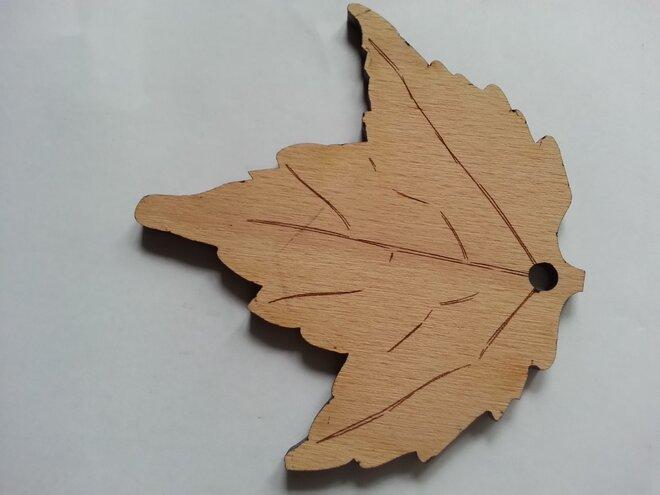 Drevený list - osviežovač vzduchu (ručná výroba)