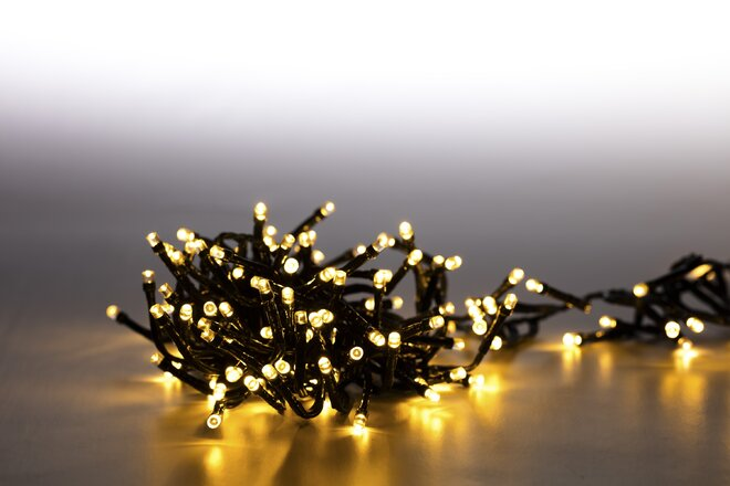 Dvojitá svetelná reťaz 200 LED (teplá biela + tmavozelená so svetelnými efektmi)